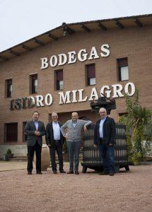 Fachada principal instalaciones Bodegas Isidro Milagro