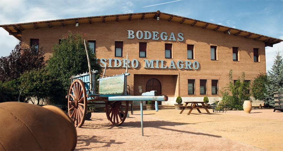 Instalaciones Bodegas Isidro Milagro en La Mancha