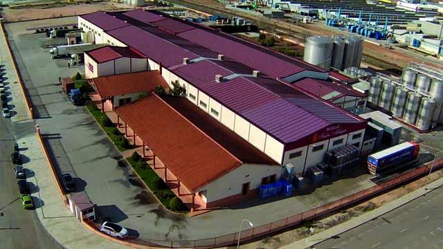 Vista aerea de las instalaciones de Bodegas Isidro Milagro
